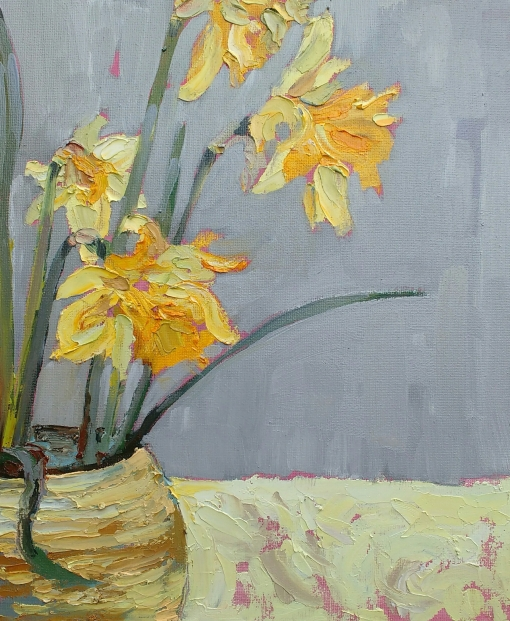 Daffodils in earthenware pot - 30cm x 25cm
